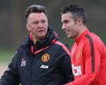Van Persie bỏ quên Van Gaal khi hồi tưởng về Man Utd