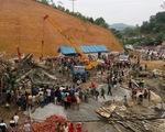 Hà Tĩnh: Sập giàn giáo tại cây xăng, 16 người bị vùi lấp