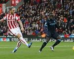 ĐHTB Ngoại hạng Anh vòng 15: Stoke lên ngôi