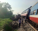Phú Thọ: Tàu hỏa tông trực diện xe tải, một người tử vong