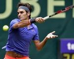 """Hạ gục """"máy giao bóng"""" Karlovic, Federer tái ngộ Seppi ở chung kết"""