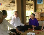 Chủ tịch Quốc hội thăm gia đình có công với cách mạng tỉnh Tuyên Quang