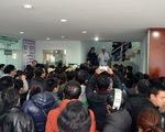 Chen lấn, ngất xỉu vì chờ đợi vaccine, Cục Y tế dự phòng ra công văn khẩn
