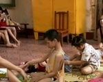 Tấm lòng của tình nguyện viên quốc tế với trẻ khuyết tật Việt Nam
