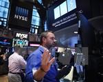 FED giữ nguyên lãi suất, chứng khoán Mỹ giảm điểm