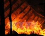 Cháy dữ dội ở công ty bông vải, thiêu rụi hơn 300 tấn hàng