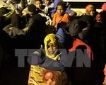 Kỷ lục 2.000 người tìm cách di cư trái phép vào Anh trong một đêm