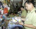 Hà Nội: Phát hiện hơn 100.000 mỹ phẩm giả tại cửa hàng Xuân Thủy