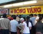TT-Huế: Hàng trăm người đổ xô đến chợ Đông Ba bán vàng
