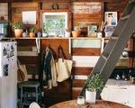 Căn nhà gỗ xinh xắn 70m2 mang hơi thở thiên nhiên