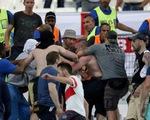 Pháp: Hỗn chiến giữa các cổ động viên sau trận đấu giữa Anh - Nga