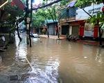 Hà Nội úng ngập nhiều nơi trong ngày đầu tiên bão đổ bộ