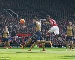 Man Utd 3-2 Arsenal: Màn trình diễn hoành tráng của những đứa trẻ nhà Van Gaal