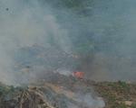 Hàng trăm người tích cực chữa cháy lớn tại rừng Nam Hải Vân