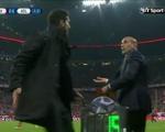 HLV Simeone bị tố đánh trọng tài trong trận bán kết lượt về với Bayern