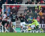 De Gea mắc sai lầm, Man Utd thua đau trước đội xếp áp chót