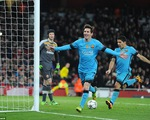 Lấm lưng trước Barcelona, Arsenal sắp ngẩng cao đầu rời giải