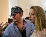 Trả lời phỏng vấn, Johnny Depp im lặng trước cáo buộc đánh vợ