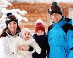 Hoàng tử bé George và em gái cực yêu trong ảnh dã ngoại cùng bố mẹ