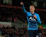 Giúp Tottenham áp sát Leicester, sao trẻ Alli lập kỷ lục Ngoại hạng Anh