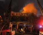 Đà Nẵng: Cháy lớn ở xưởng gỗ, 3 người thoát chết