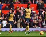 """Thierry Henry """"không thể chấp nhận"""" màn trình diễn của Arsenal"""