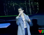 Hà Anh Tuấn khoe vẻ lãng tử trên sân khấu Giai điệu tự hào