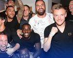 Sao Leicester City vỡ òa niềm vui trong tiệc đón chức vô địch Premier League lịch sử