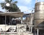 Bắt tại trận cơ sở sản xuất bún xả thải trộm ra môi trường