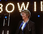 Brit Awards 2016 vinh danh huyền thoại David Bowie
