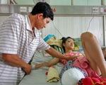 Đình chỉ Phó Giám đốc bệnh viện để nữ sinh phải cưa chân