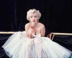 Công bố những bức ảnh hiếm về Marilyn Monroe: Không phải búp bê tóc vàng