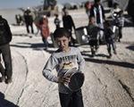 Chuyến hàng cứu trợ đầu tiên đã tới thị trấn Madaya, Syria