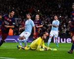 Messi, Barcelona lại gây bão với pha sút penalty siêu đồng đội