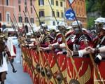 Thành cổ Rome kỷ niệm 2.769 năm tuổi hoành tráng, sôi động