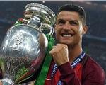 Ronaldo trấn an NHM: Tôi sẽ trở lại mạnh mẽ hơn nữa!