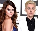 Justin Bieber và Selena Gomez thẳng mặt đấu đá nhau
