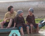 Bé Bi nhà Xuân Bắc phấn khích hát nhạc Sơn Tùng M-TP