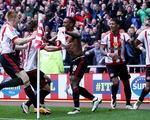 Chelsea thua ngược đội bóng khát điểm trụ hạng Sunderland