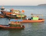 Bà Rịa - Vũng Tàu: Đưa 7 thuyền viên tàu cá gặp nạn về bờ an toàn