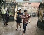 Thanh Hóa: Phụ huynh, sĩ tử đội mưa làm thủ tục dự thi THPT quốc gia