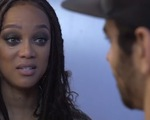 Tyra Banks khóc ròng trước nam Quán quân Americas Next Top Model
