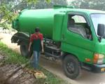 Bắt quả tang vi phạm xả chất thải công nghiệp ở Hà Nội