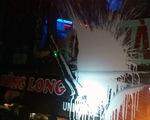 Xe khách bị ném đá, ném sơn trên cao tốc Nội Bài - Lào Cai: Có thể gây thương vong lớn