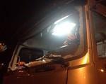 5 ô tô bị ném đá liên tiếp trên cao tốc Hà Nội - Hải Phòng