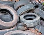 Hàng nghìn tấn săm lốp ôtô cũ nát bị nhập về Việt Nam