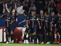PSG 3-2 Barcelona: 'Lấm lưng' tại Parc des Princes
