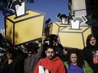 Tây Ban Nha: Tạm ngừng chiến dịch trưng cầu dân ý