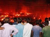 Ấn Độ: Cháy lớn, thiêu rụi hơn 200 cửa hàng