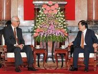 Chủ tịch nước tiếp nguyên Thủ tướng Singapore Goh Chok Tong